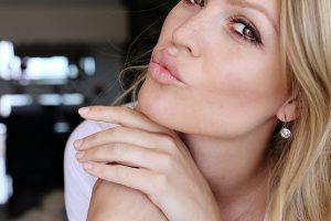 beauty hacks for fuller lips